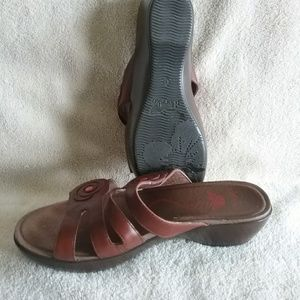 Shoes - Wide Leather sandals